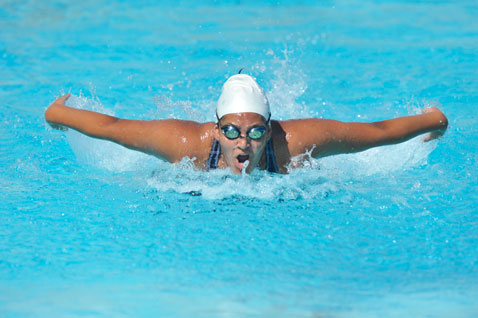 Maria Ochoa training in Cabrillo High School pool